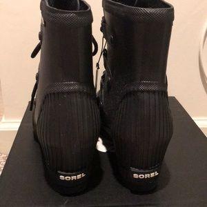 Sorel Shoes - Sorel Joan Rain Wedge Sea Salt Black boot